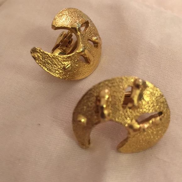 Vintage Jewelry - Swirl half circle gold satin work clip earrings